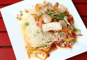salat-s-vermishelyu-byistrogo-prigotovleniya